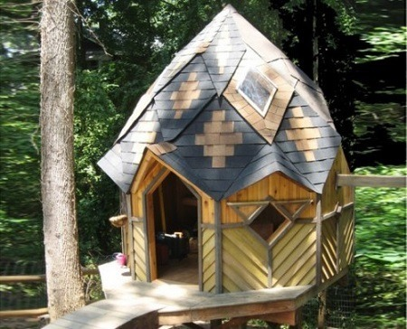 decorative house for squirrels